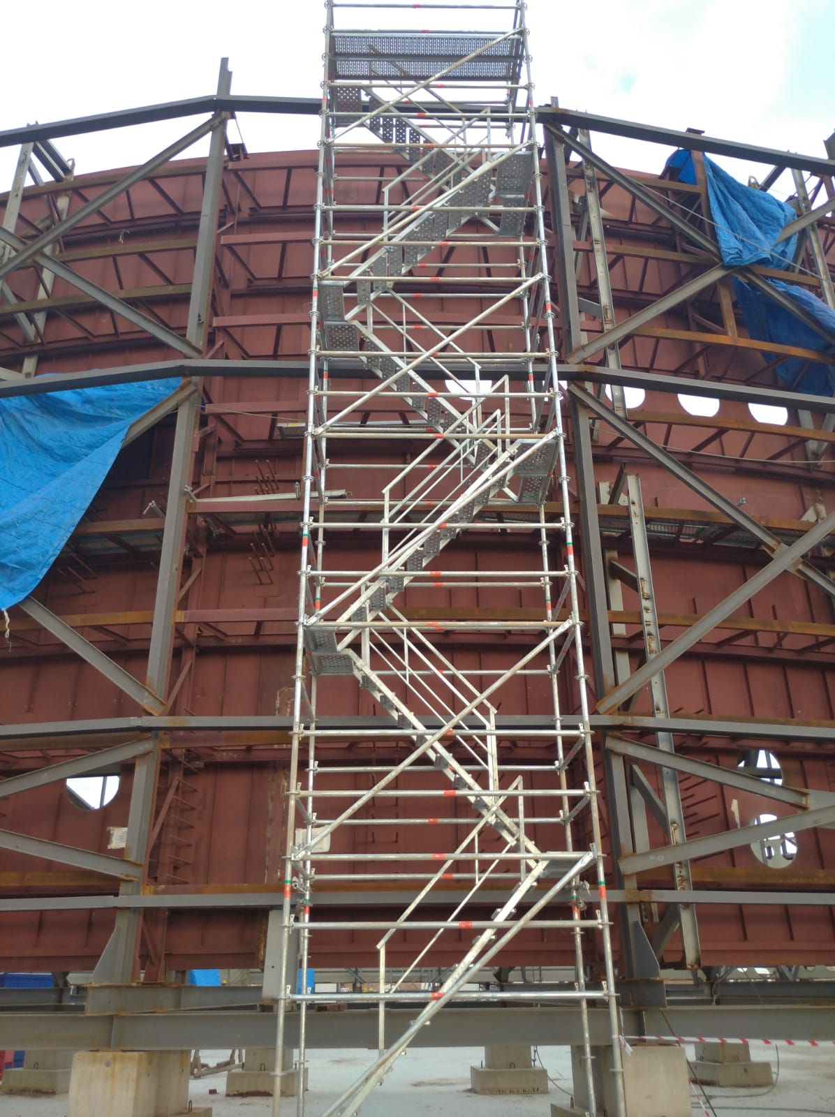 yagmur scaffolding stair tower 03 - Multidirectional Scaffolding System